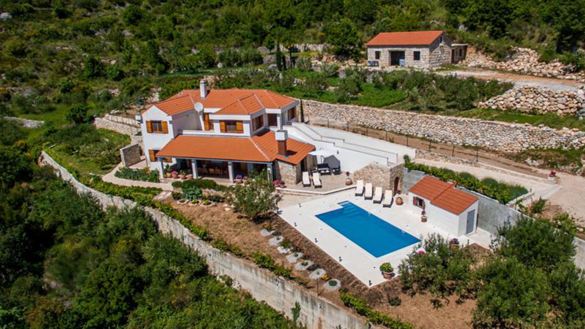 Charming Luxurious Villa Sara   EOS CROATIA
