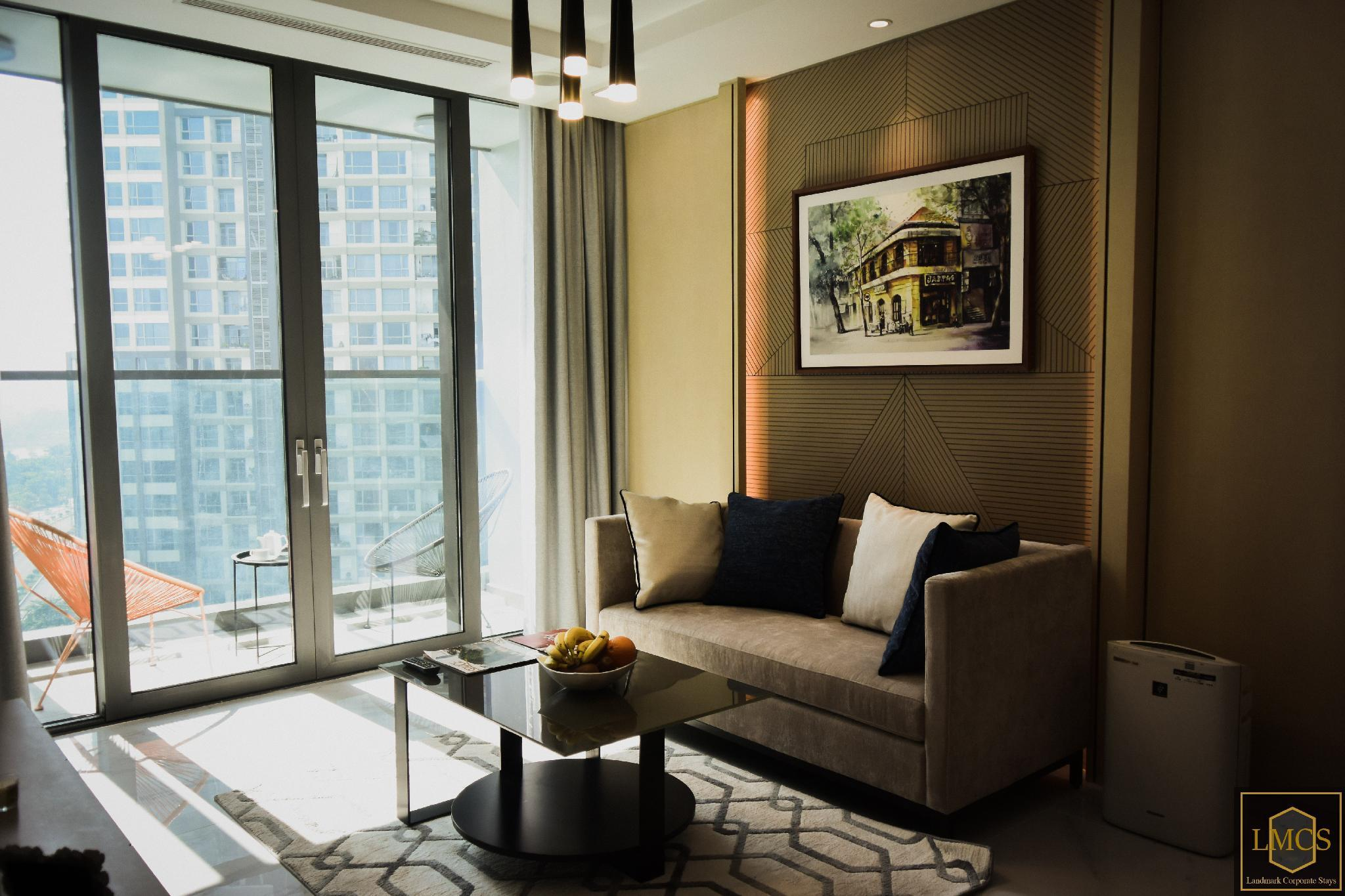 Deluxe 1BR Pool View Service Apartment  06 12