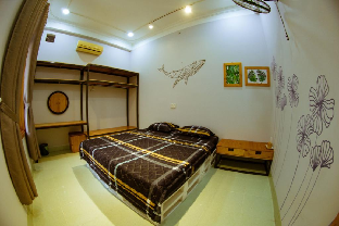 Best Price on Cozy Room - Min's House (203)