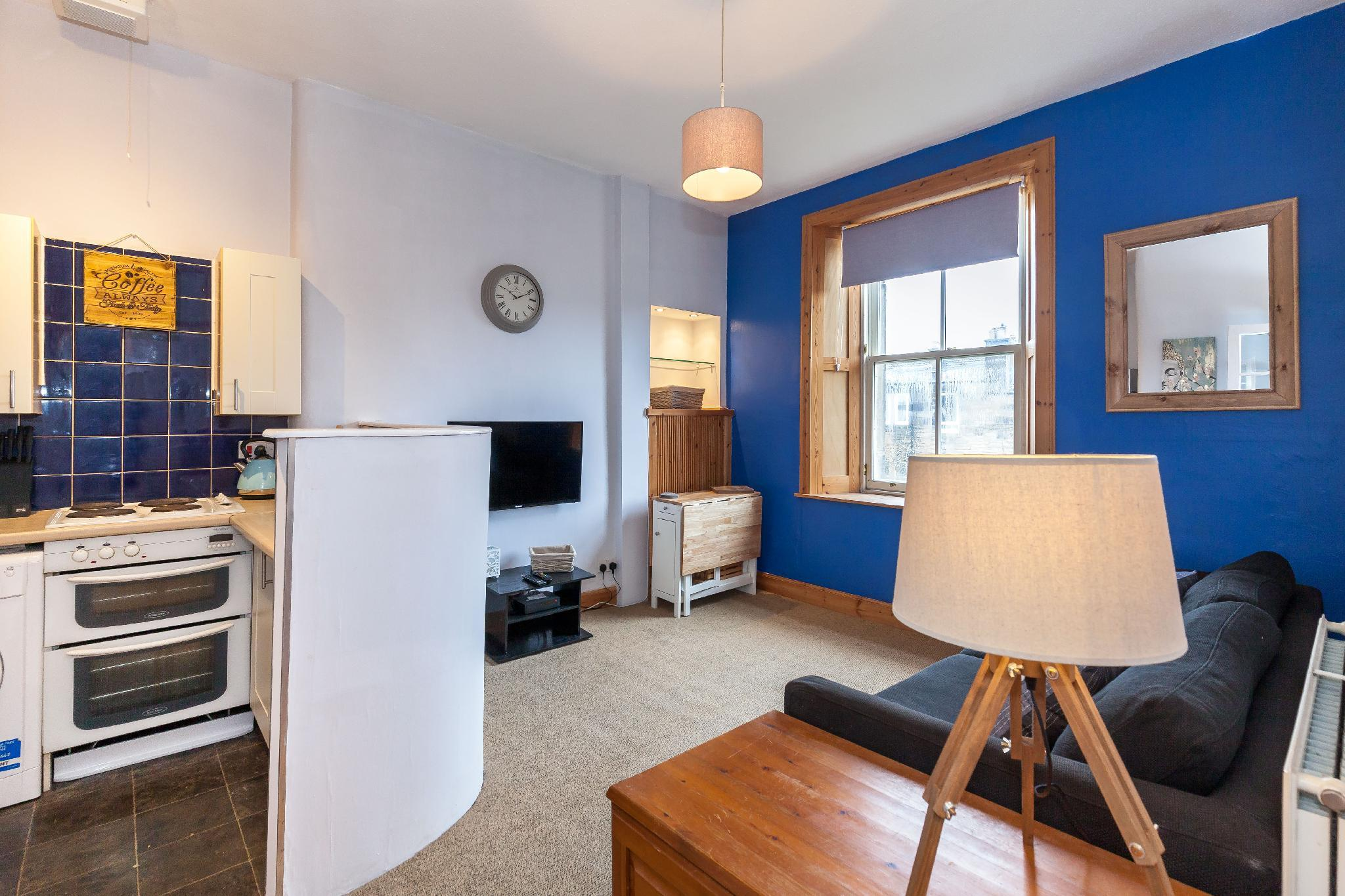 The Third Floor   Edinburgh East End Apartment