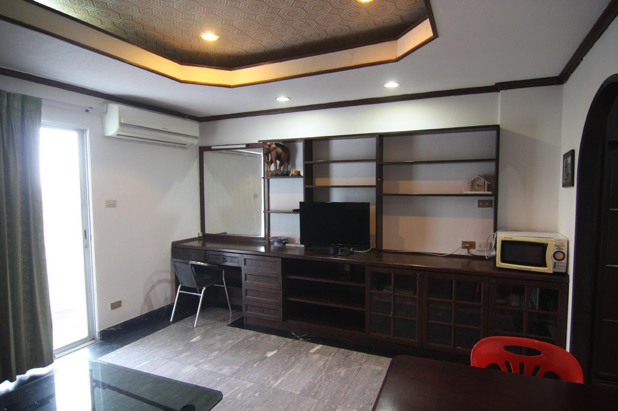 Pattaya Tower Room 10 4