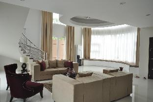 picture 3 of Luxurious Home Suite near BGC