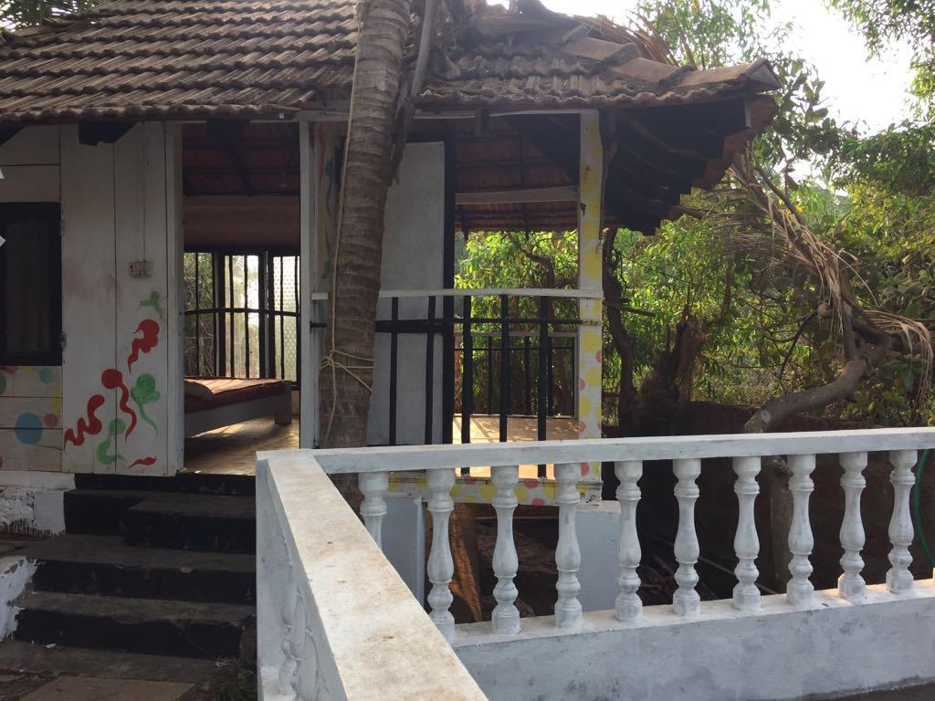 God's Gift Hotel In Morjim