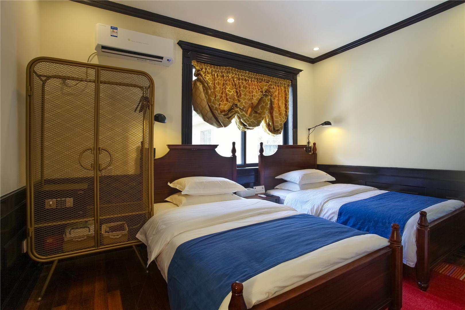 Nichang Twin Bedroom