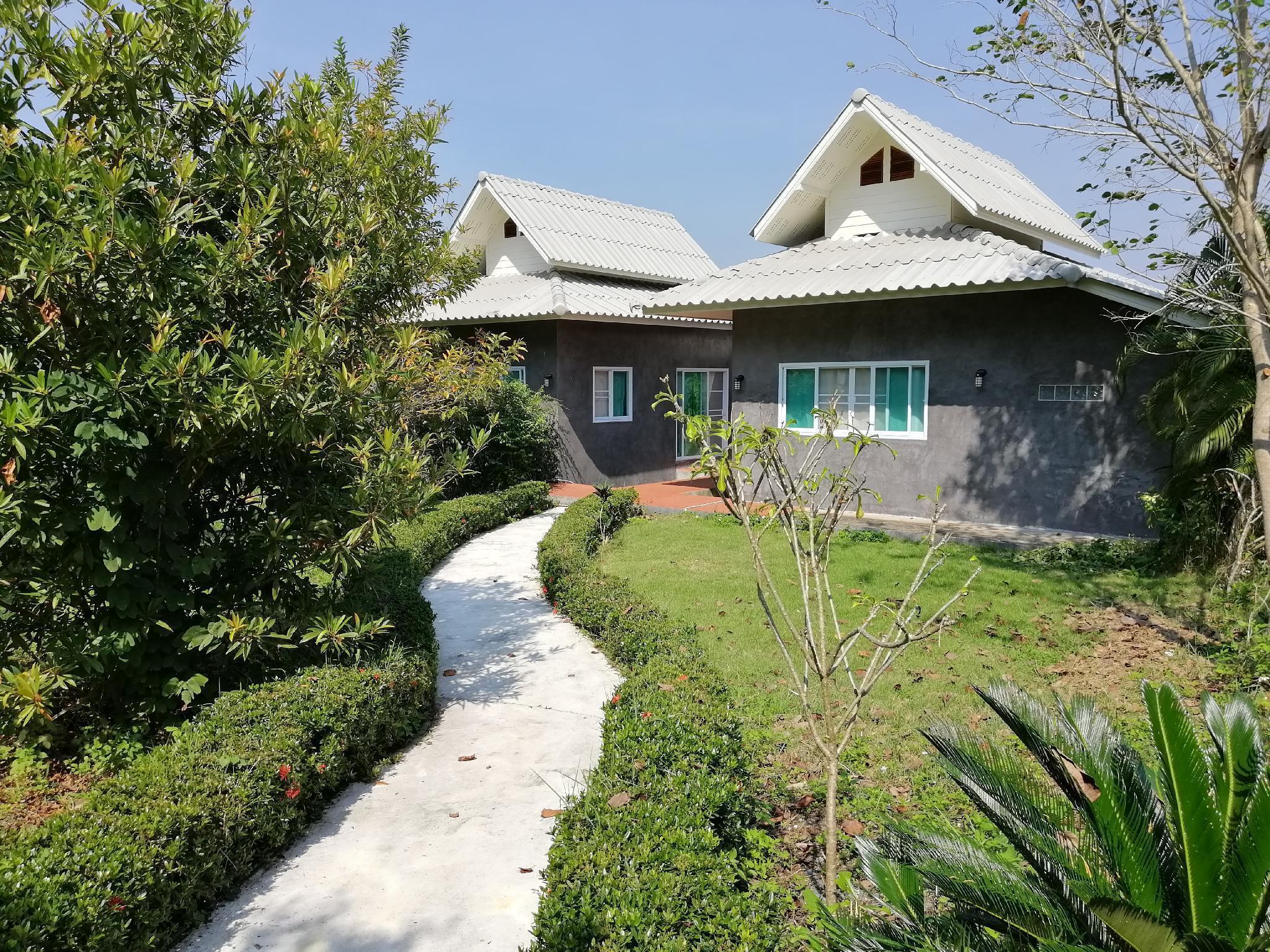 Baansuan Yarin สตูดิโอ วิลลา 1 ห้องน้ำส่วนตัว ขนาด 33 ตร.ม. – ดอยสะเก็ด