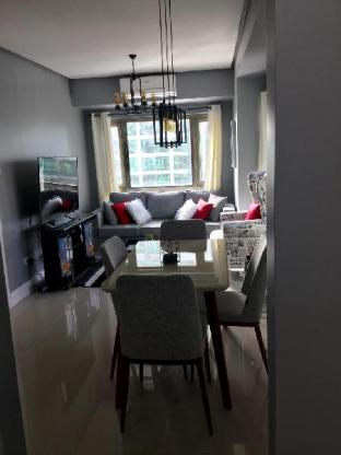 picture 4 of Forbeswood Parklane condo  with washer netflix