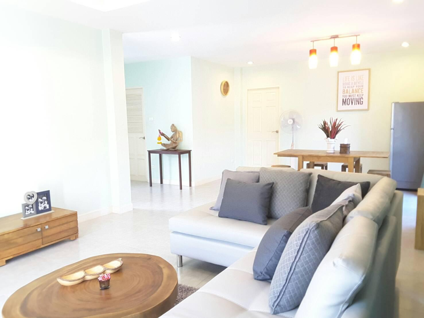 Pinthip Holiday House บ้านเดี่ยว 3 ห้องนอน 3 ห้องน้ำส่วนตัว ขนาด 400 ตร.ม. – เขตเมืองเก่า