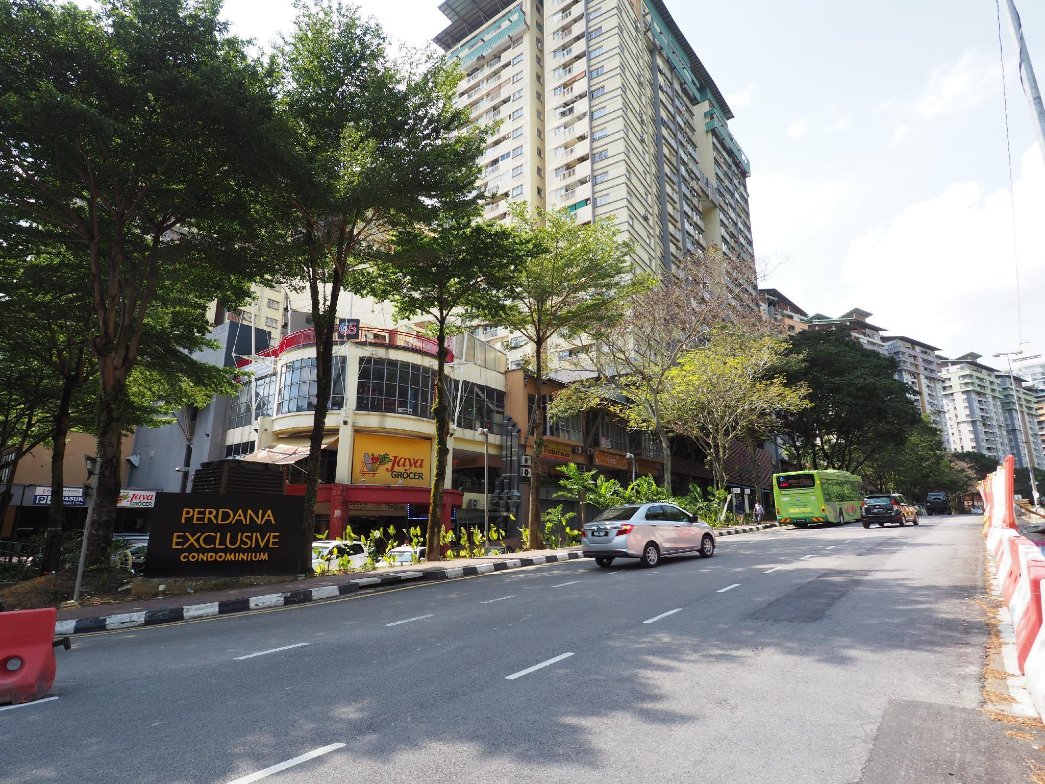 Vintage Vibes Damansara Perdana Condo Up To 7 Pax