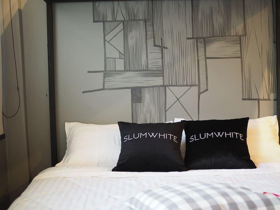 Comfort Room For 4 Ppl.  JJ Market BTS Aree