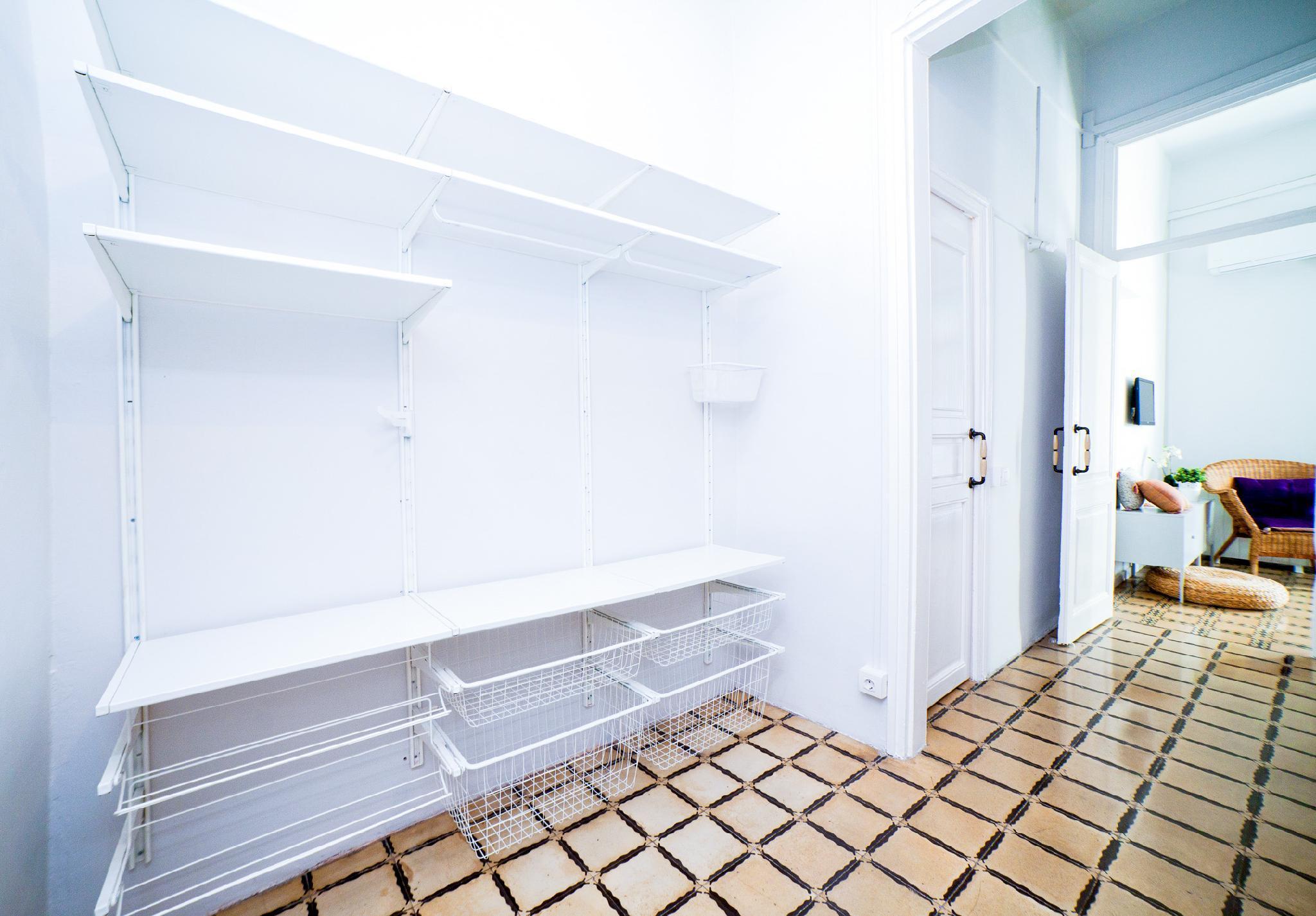 Chic 2 Bedroom With Balcony Rambla And Sant Antoni