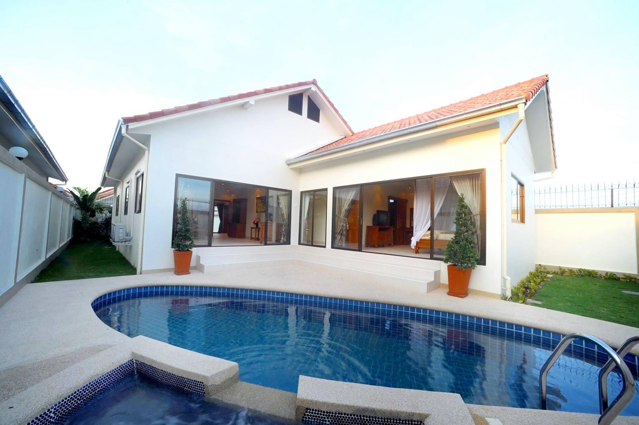 Adare Garden 3 Bedroom Pool Villas Jomtien Pattaya
