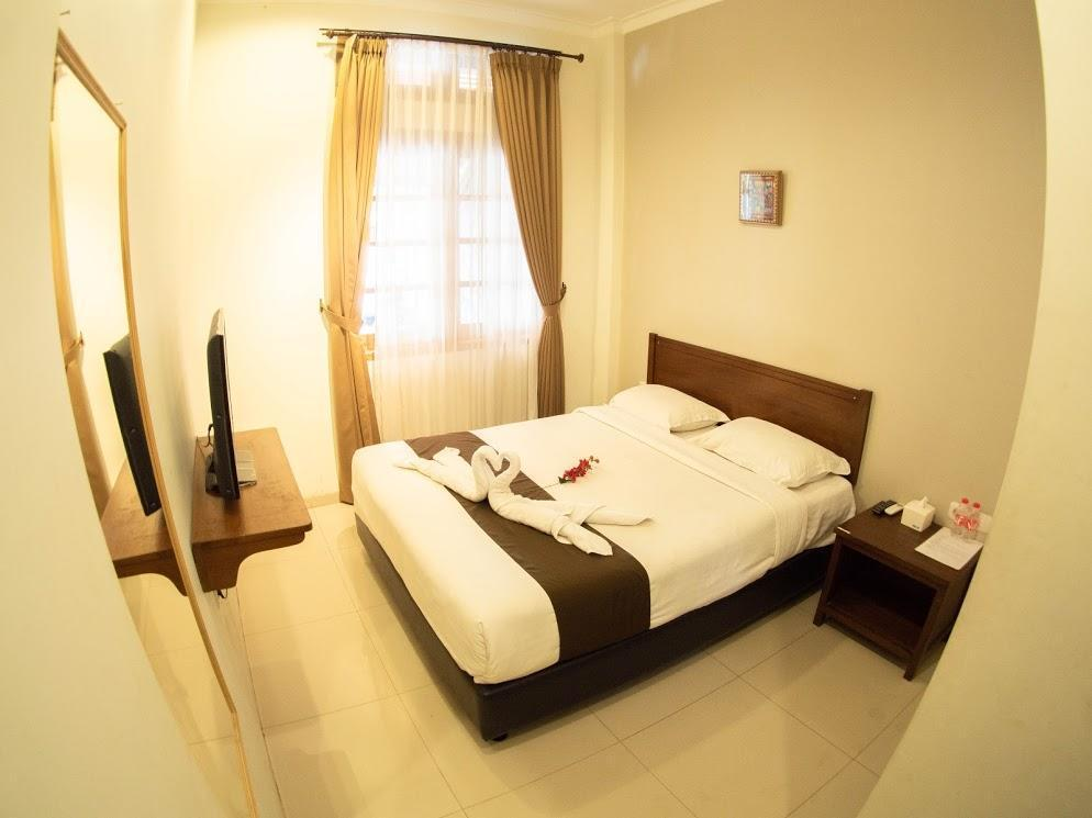 A Double Room At Perfect Location In Malang