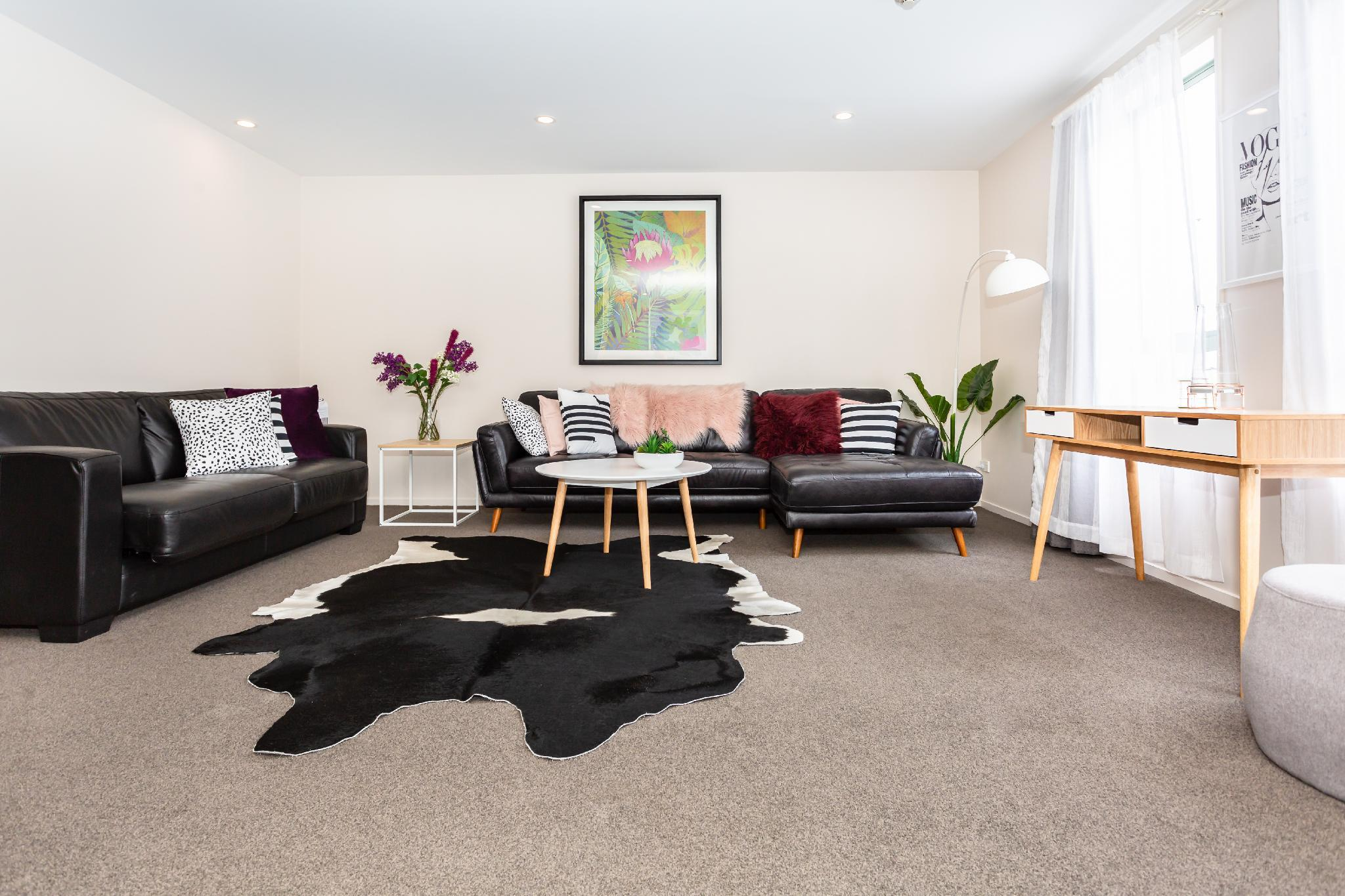 Refurbished Cathedral Junction Apartment In CBD