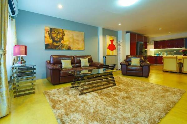 Luxury Townhouse in the Heart of the Old City Chiang Mai