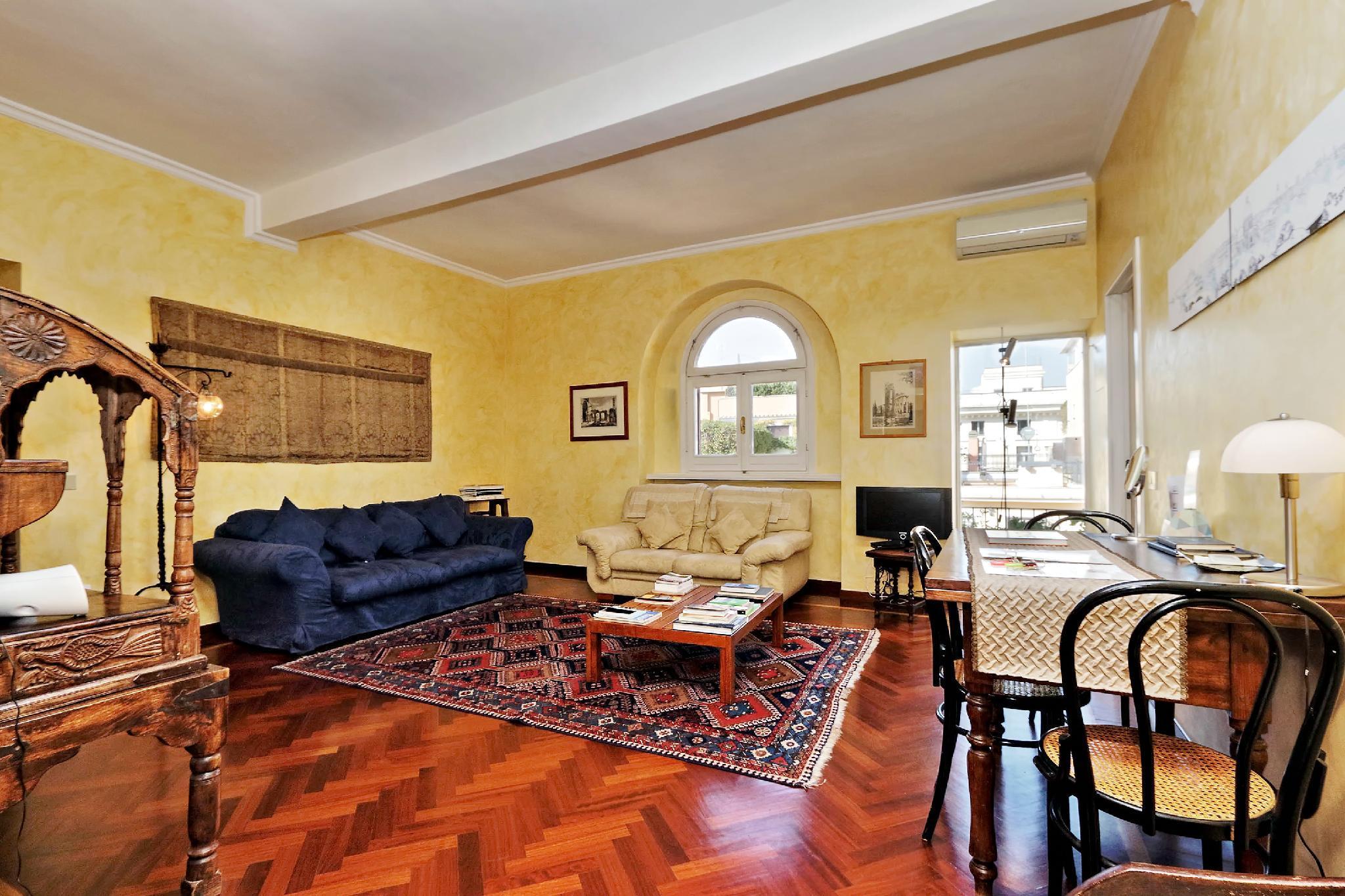 Trevi Comfortable Terrace Apartment