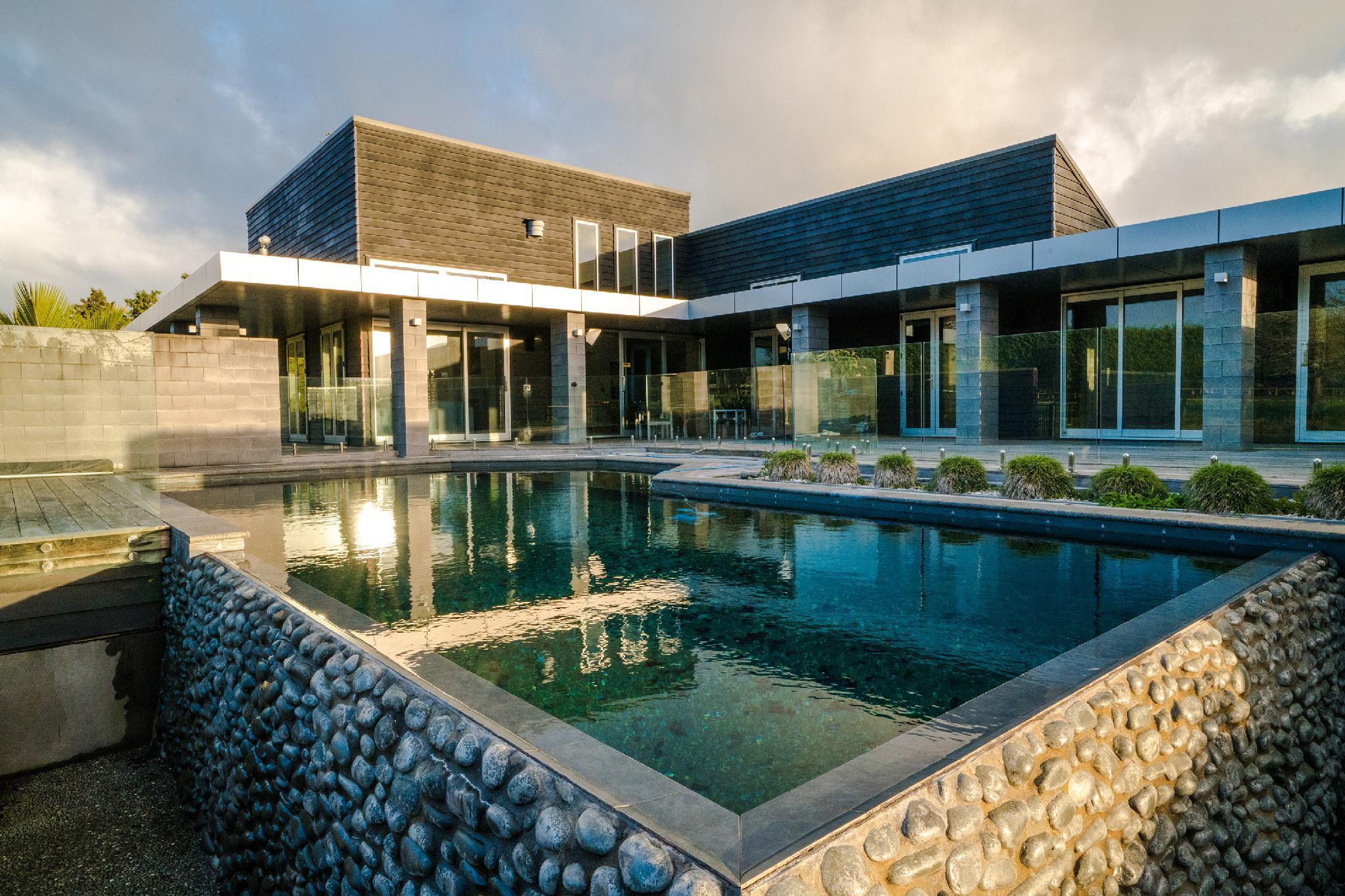 Karaka Lifestyle Premium Vacation Home With Pool