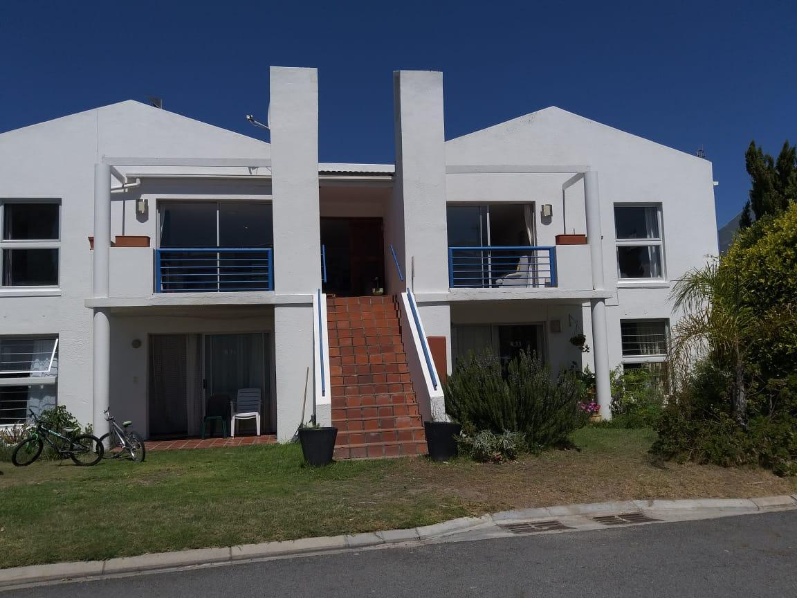 Fabulous Fully Furnished Self Catering Apartment..