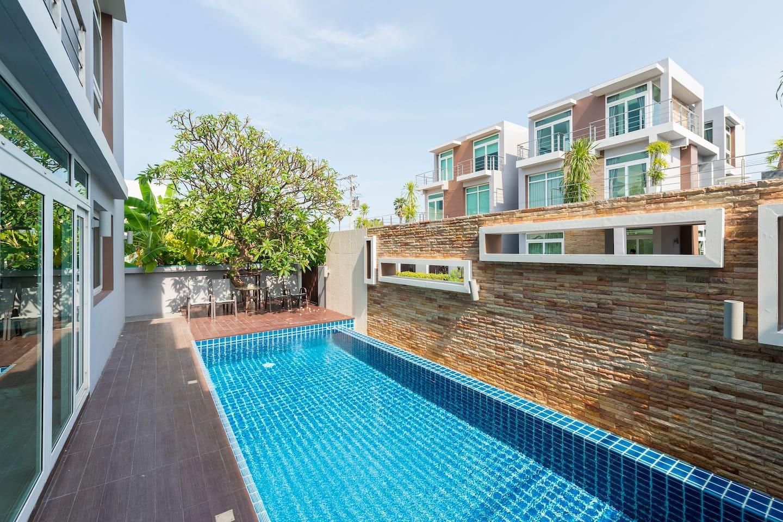 Private Luxury Pool Villa @ Heart Of HuaHin