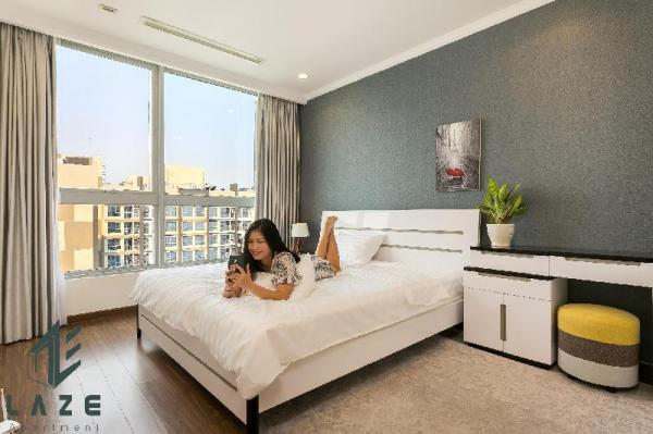 PENTHOUSE 2BR IN VINHOMES CENTRAL PARK- BEST PRICE Ho Chi Minh City