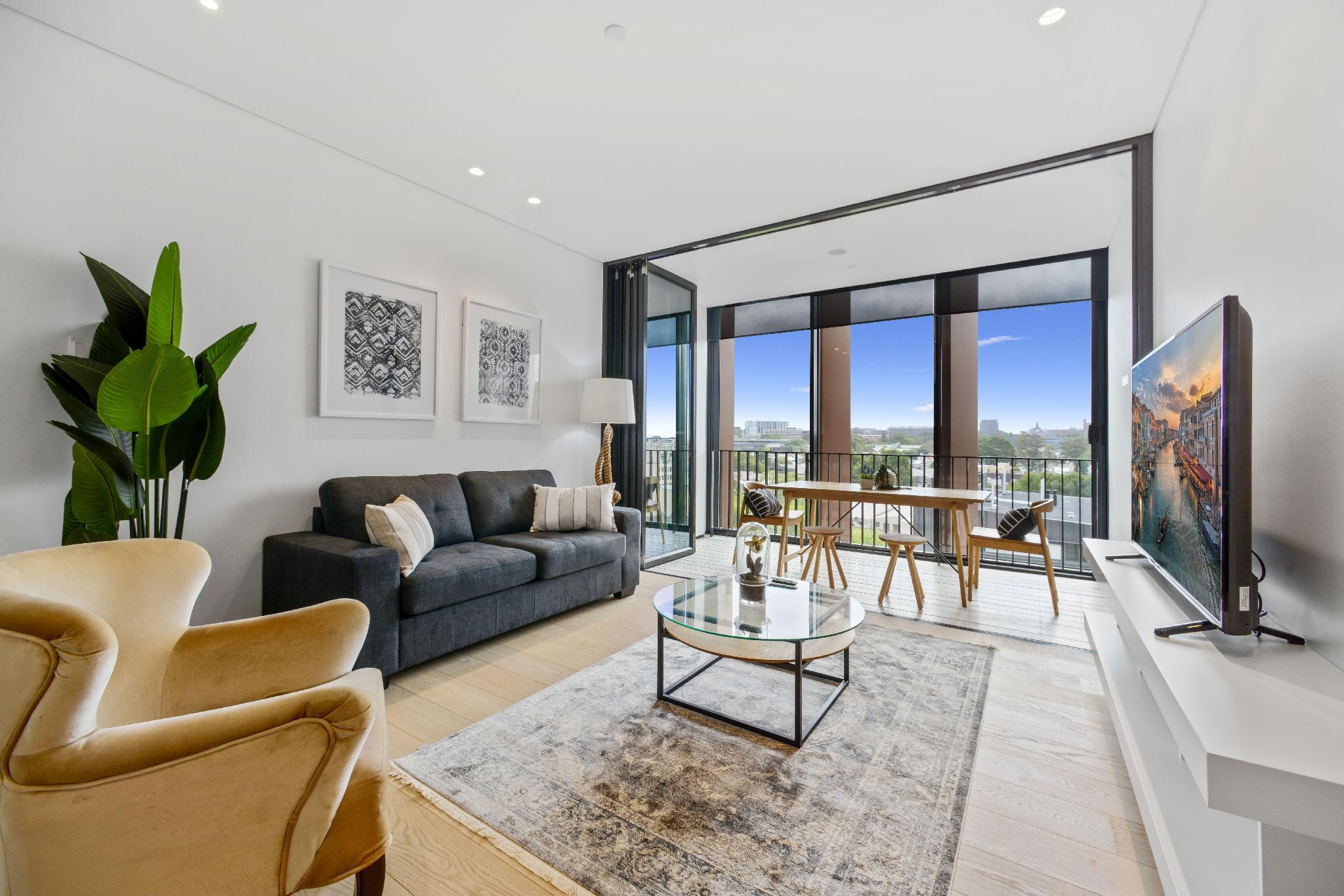 CBD Luxurious Walking To Central Amazing Location