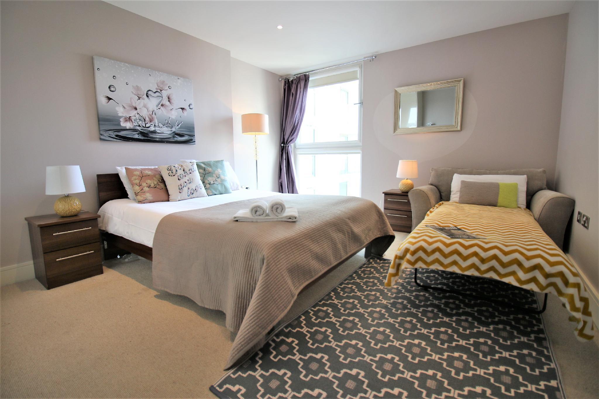Extravagant Court apartment, Docklands