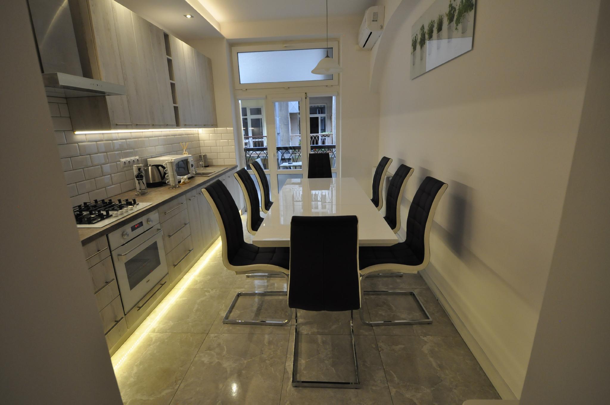 Luxury Apartment With ParkingandAirconditionandSauna