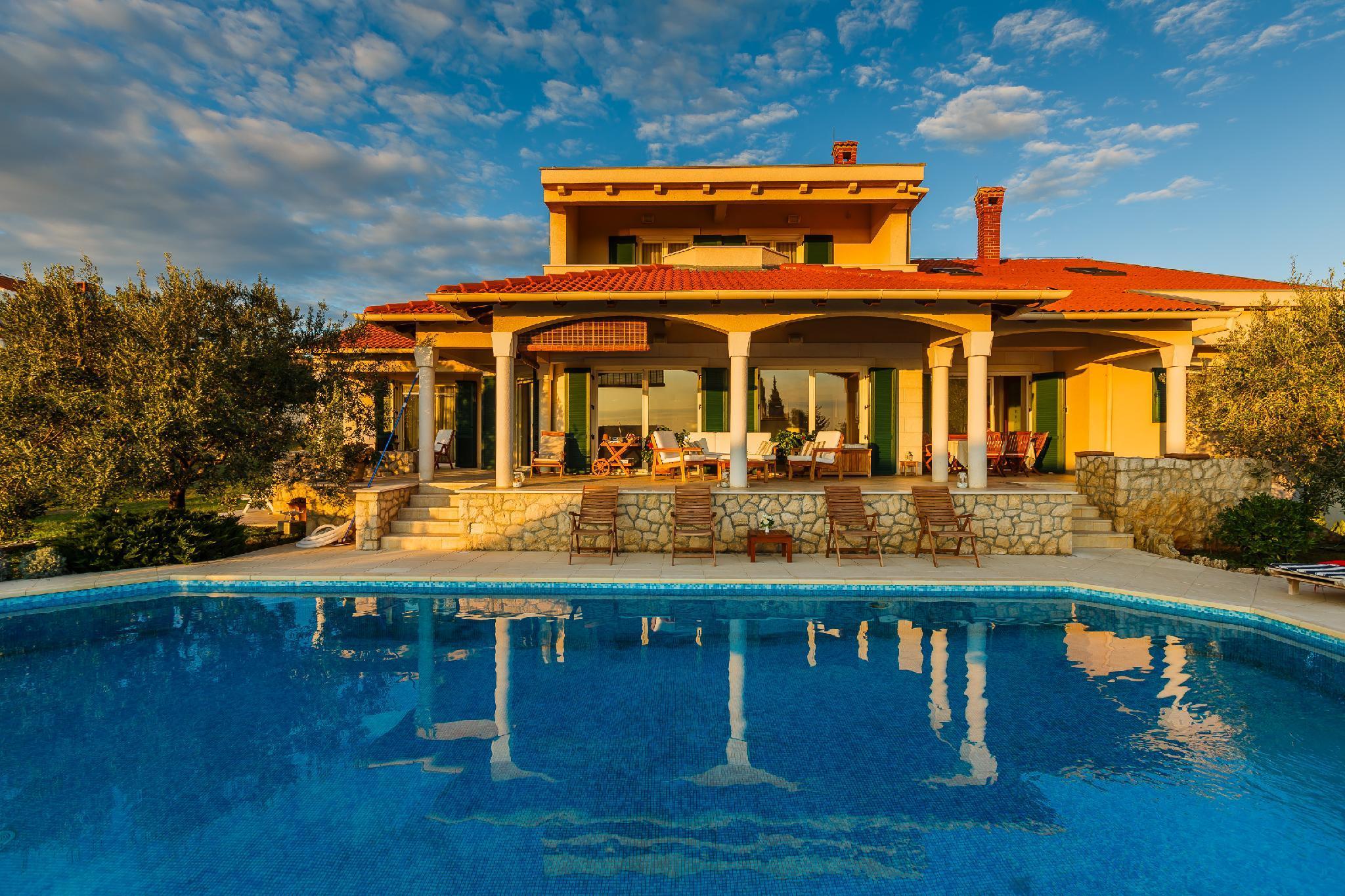 ZD04 Beautiful Villa Kari