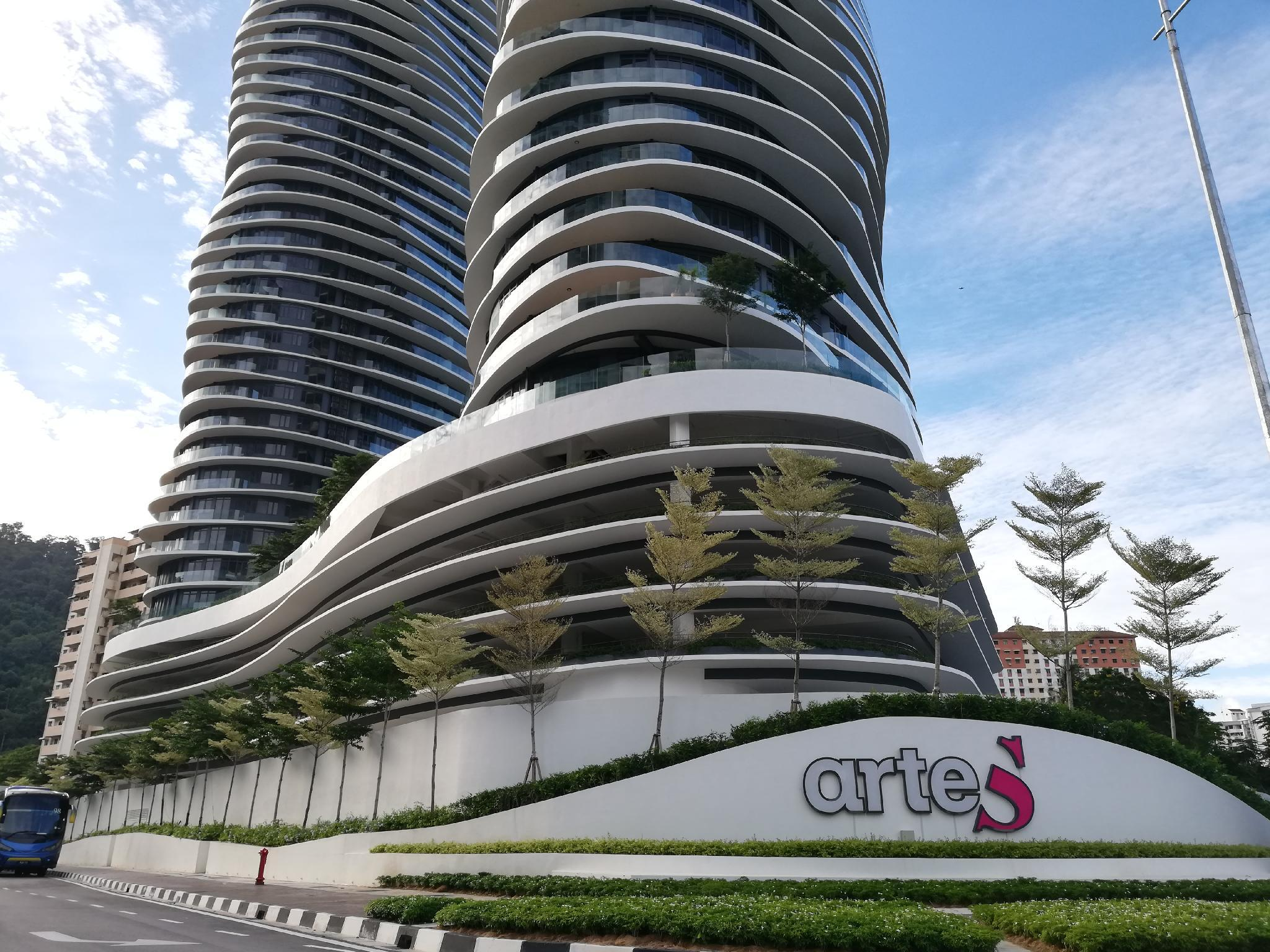 ArteS Penang For 5 Pax. High Floor.