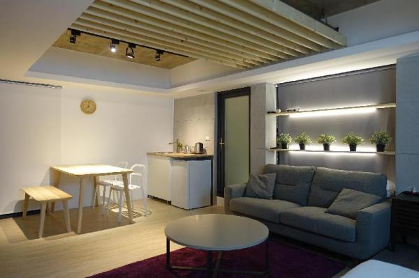 [basement] 3mins to MRT????? Taipei