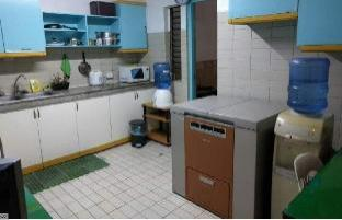 picture 5 of Manila Guest House Room-4