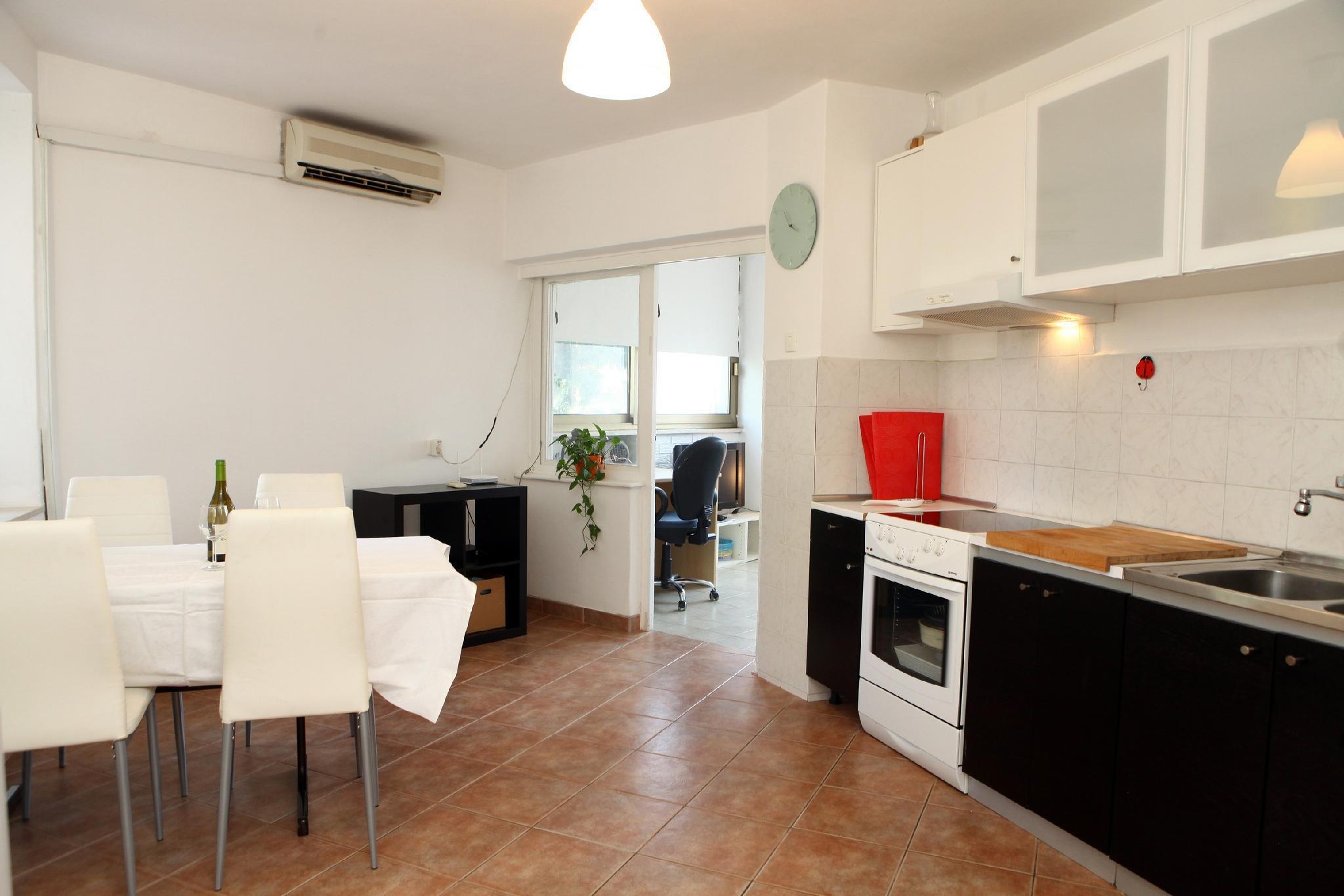 Comfortable 2 Bedroom Apartment SAZ1