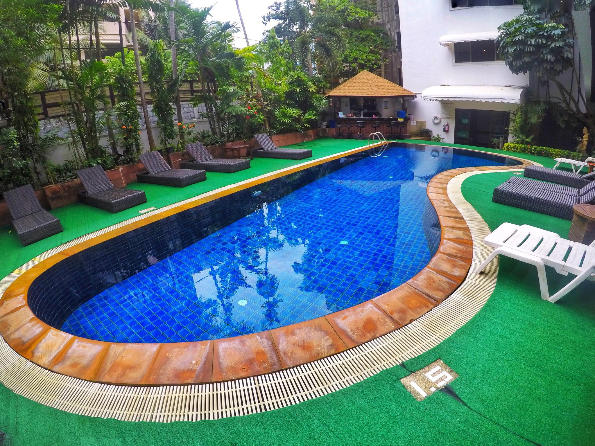 4 Bedroom Apartment Great Location Patong Beach 4b