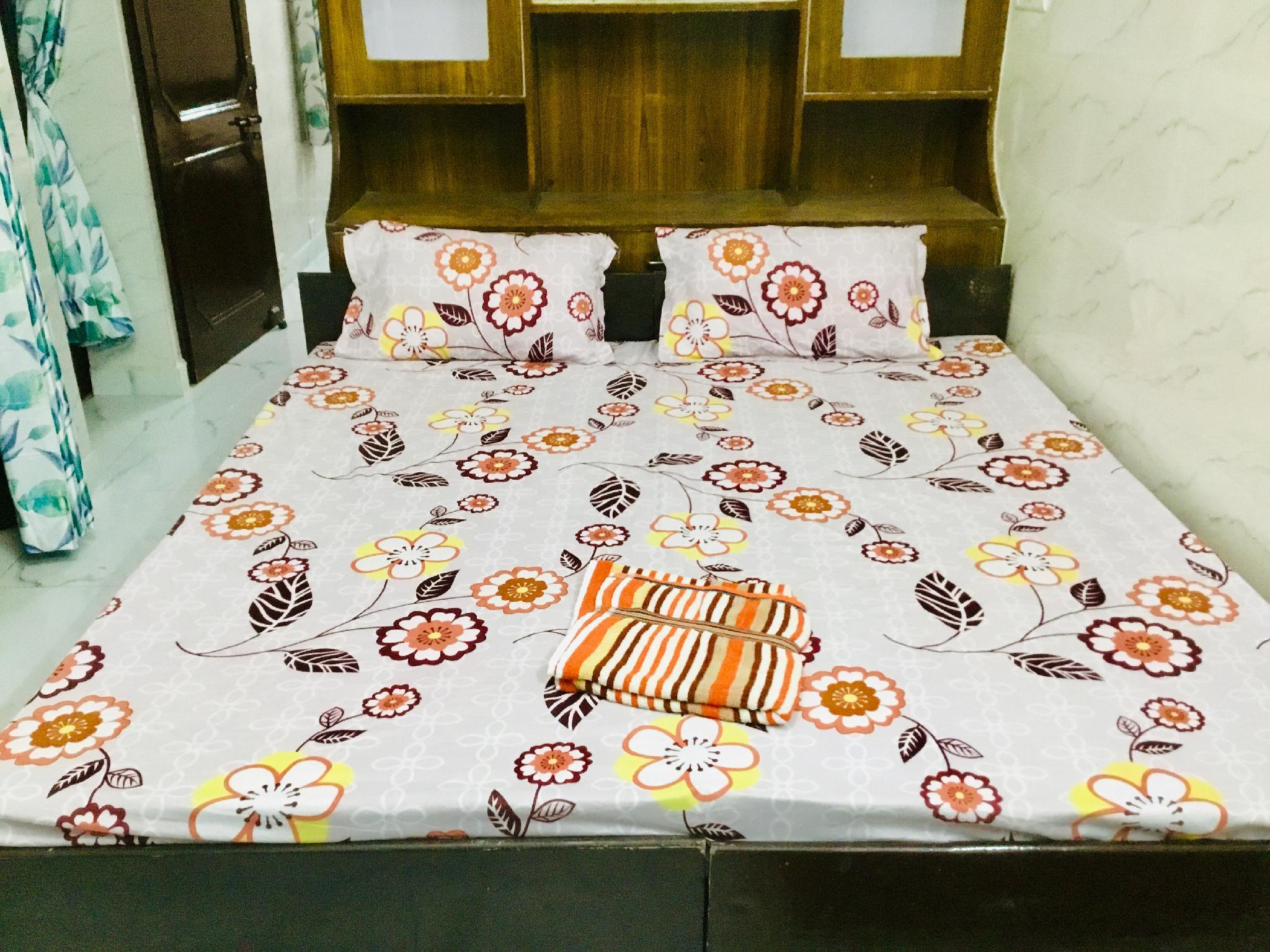2BR Set Aastha @ GIP Mall Noida