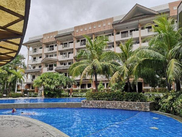 Siena Park Residences. Near AIRPORT, SM Bicutan Manila