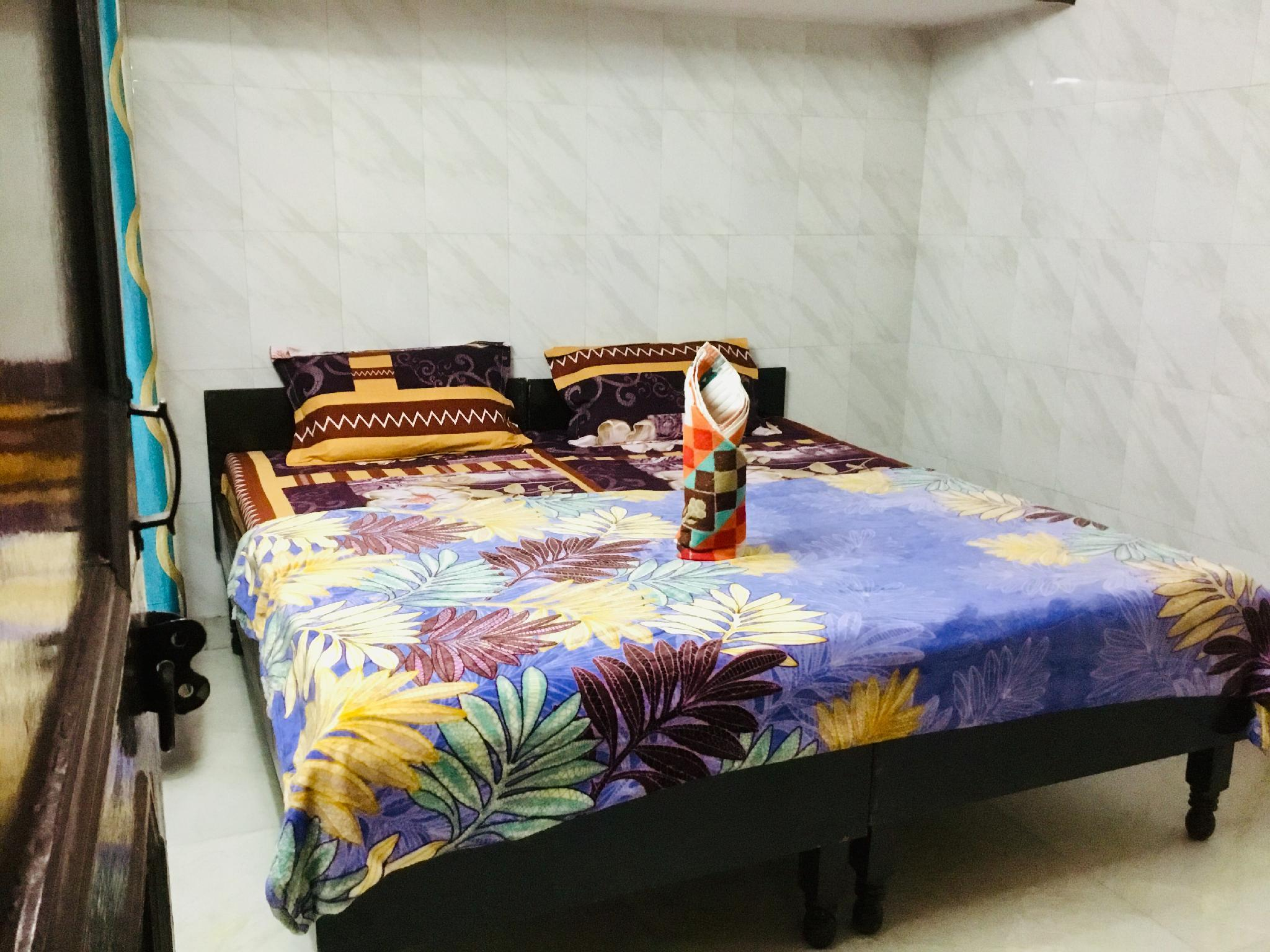 2 Bedroom Set Akshi @ Sec18 Metro Noida