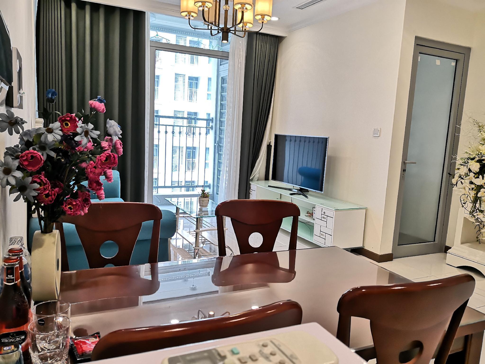 Modern Decor 2 Bedroom Flat In Vinhomes Residency