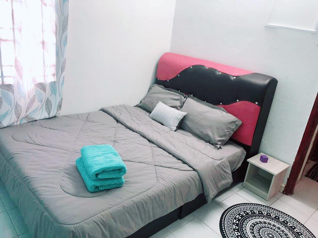 Happiness Room Near KLIA Free Pick Up Form Airport