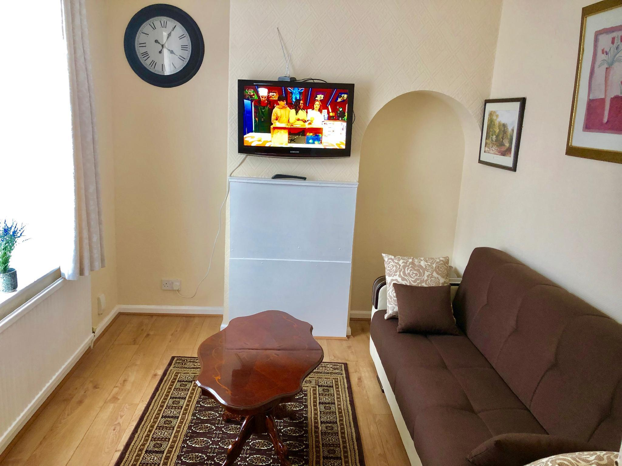 3 Bedroom Holiday Apartment (Entire House)