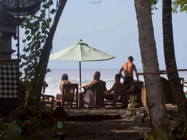 Bamboo Bungalow - JDSRetreat - Beachfront