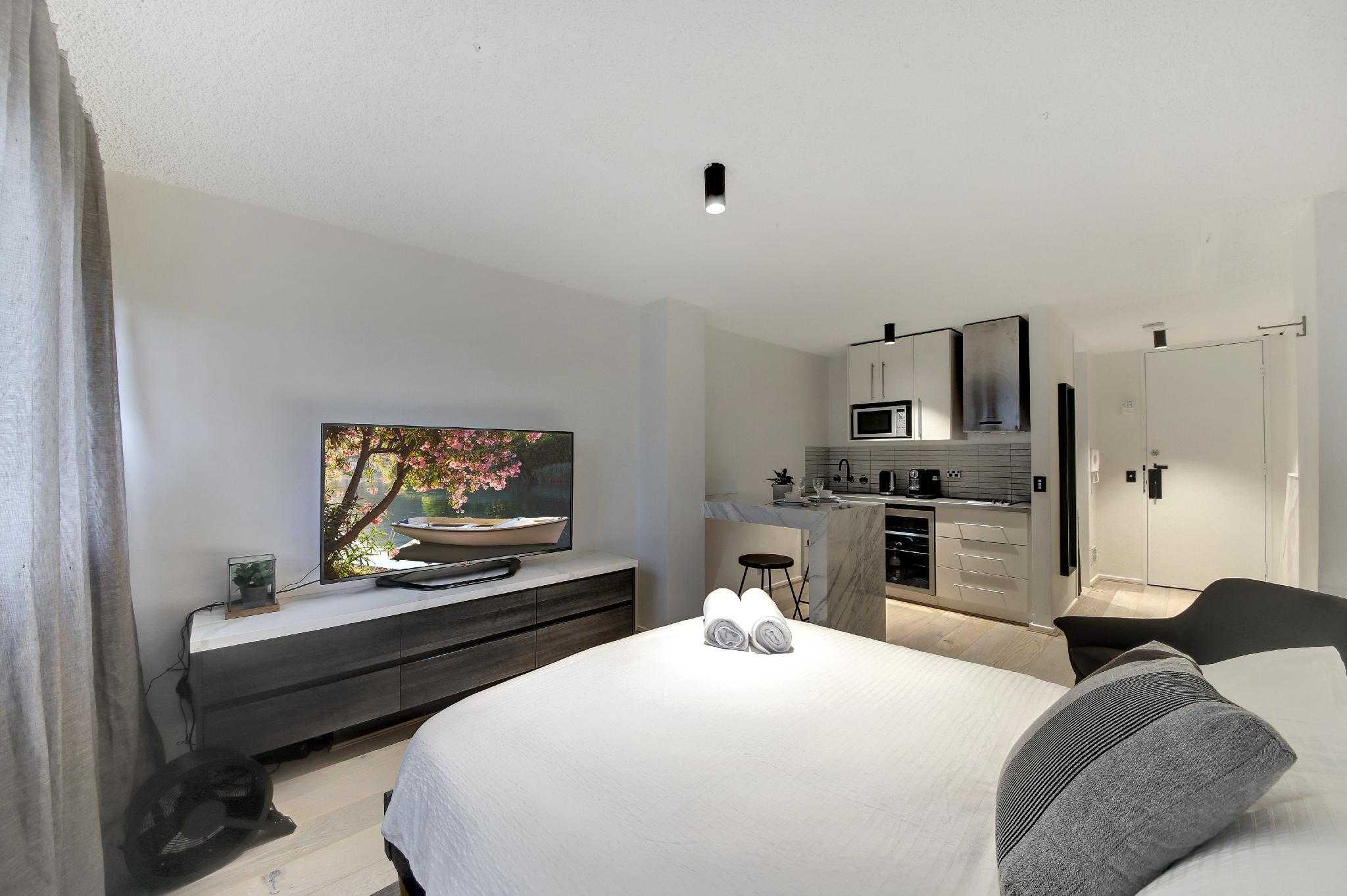 Gorgeous Business Apartment In The CBD