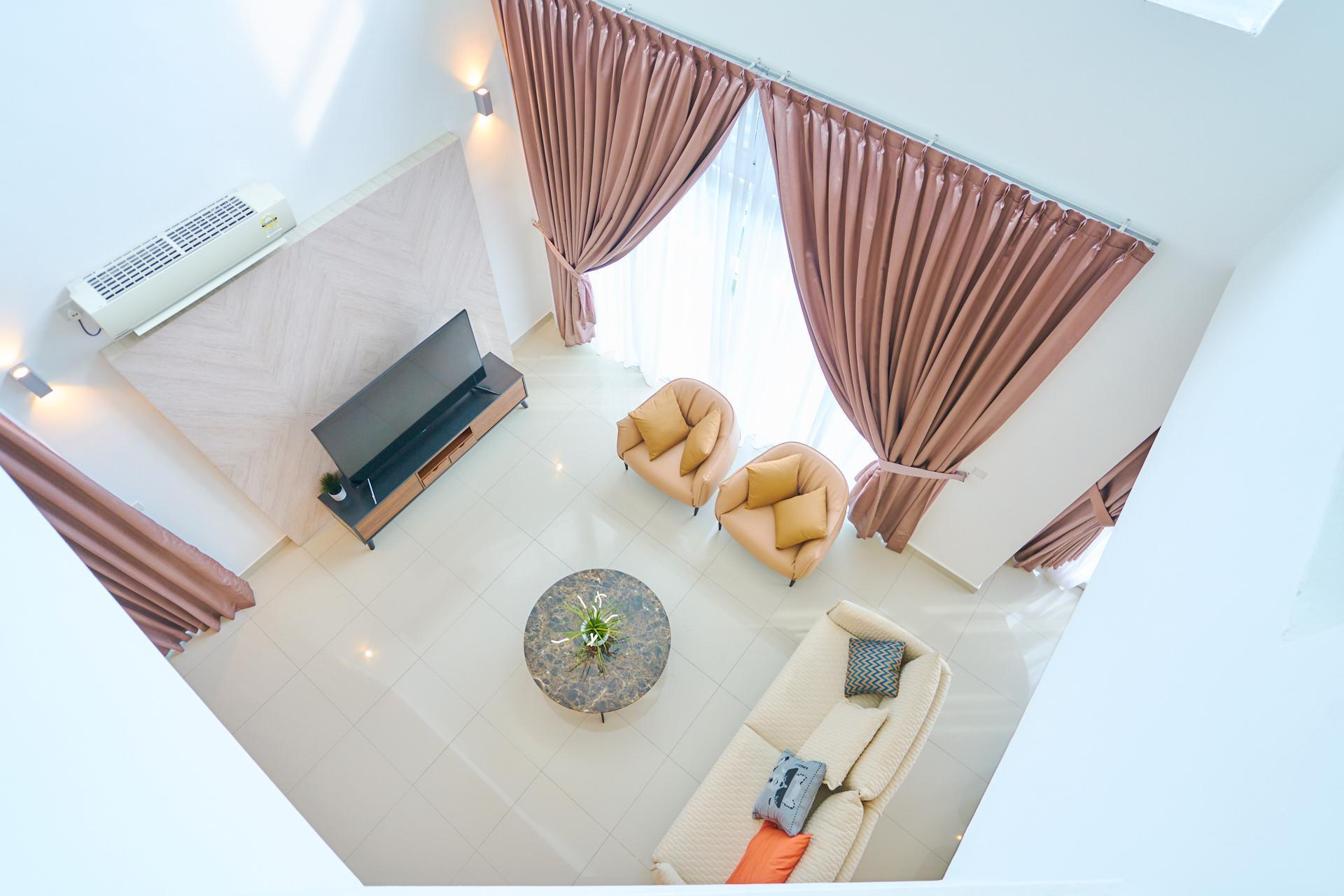 The One And Only Penthouse   In The Heart Of JB Town