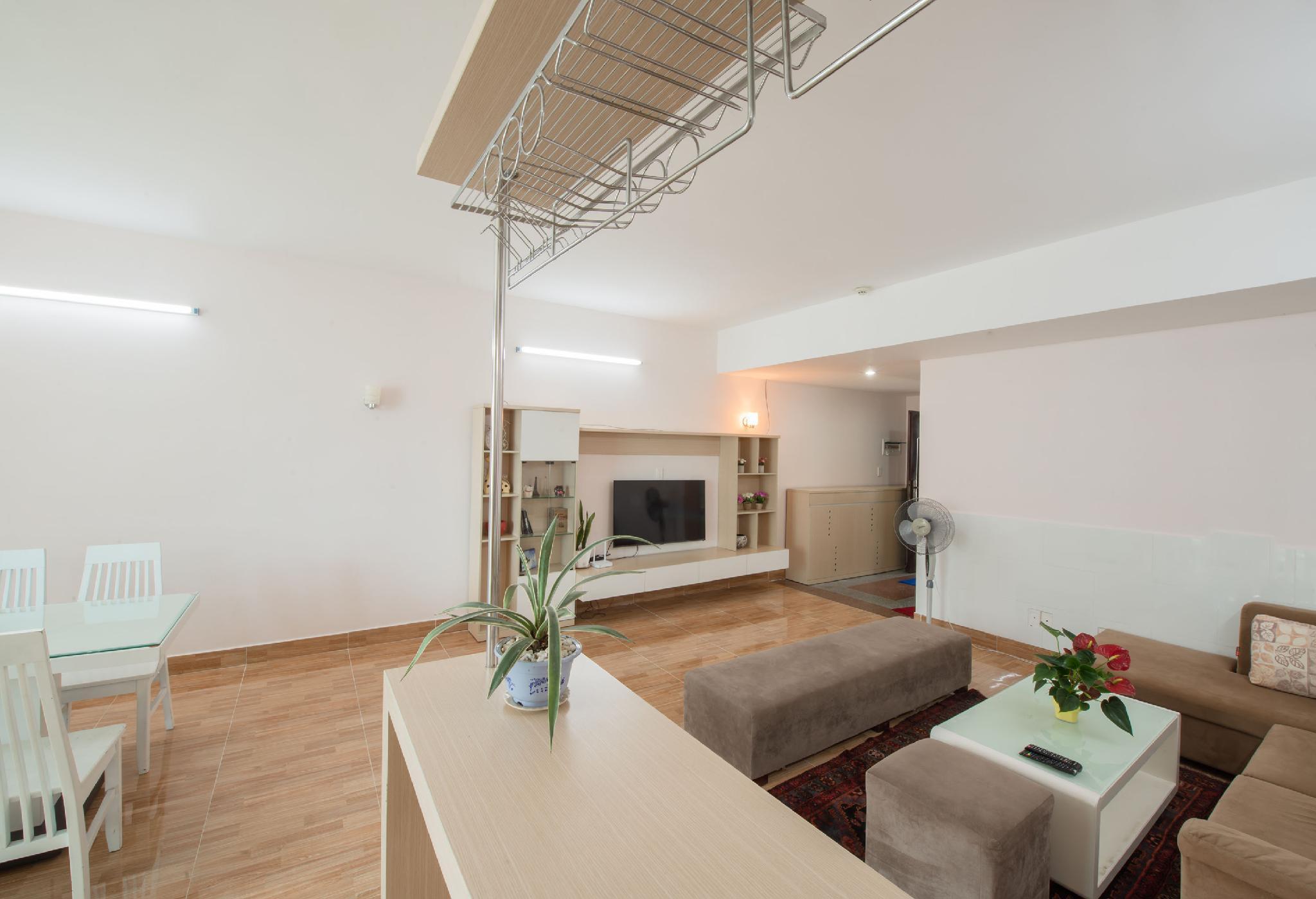4 Bedrooms  Uplaza Apartment 160m2  Balcony 7.06