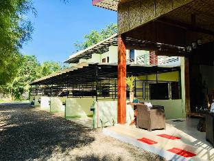 picture 1 of Ronas Townhouses (Serviced Apartment)