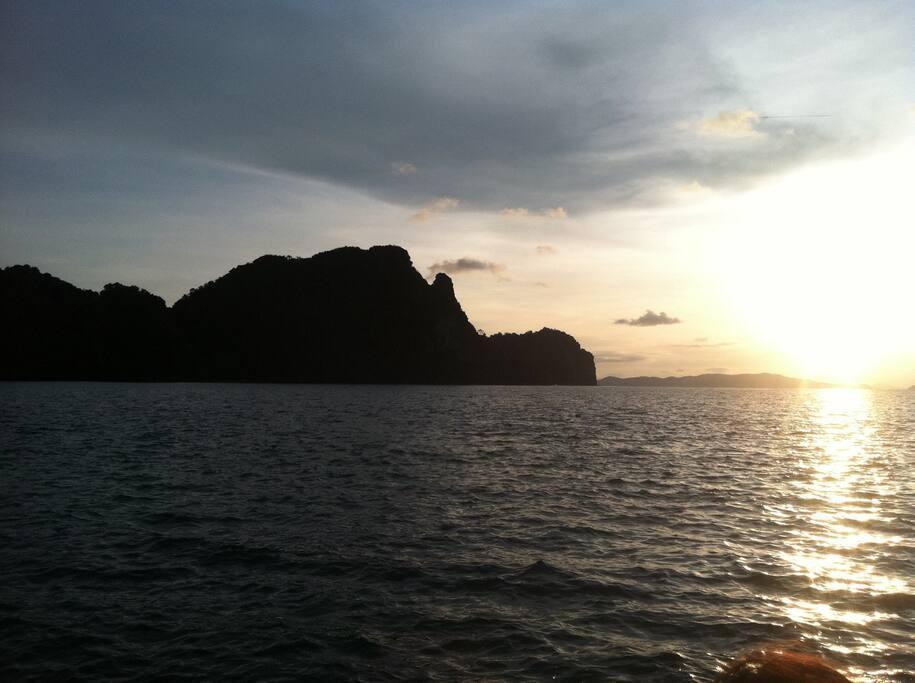 Visit Real Thai Life&Culture.Live&Travel Together.