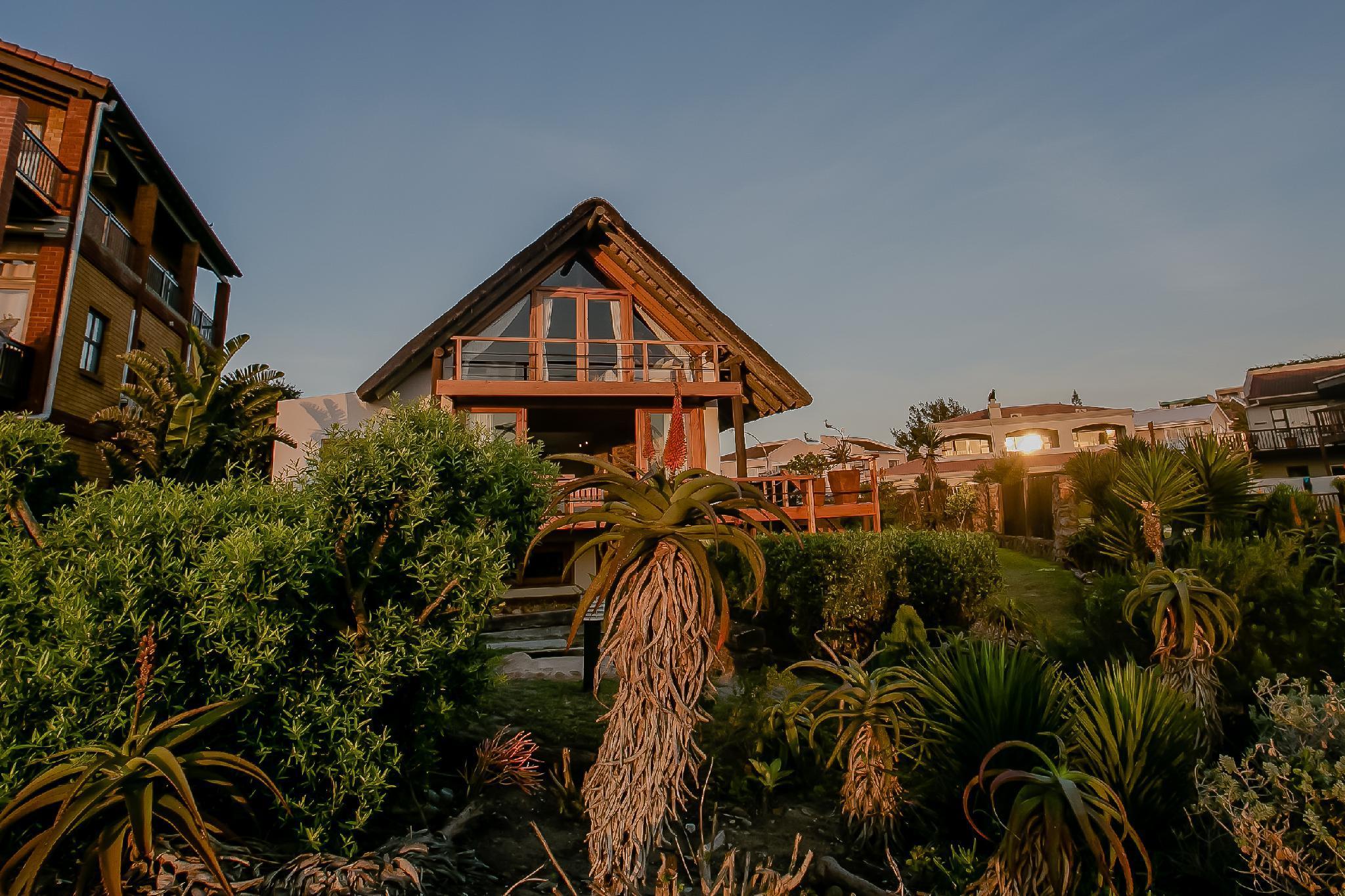 Dreamland Beach House And Studio's @ Supertubes.