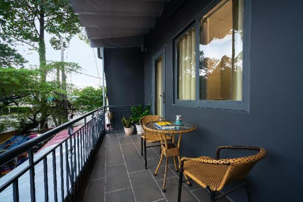 New cozy home with balcony for two Ho Chi Minh City