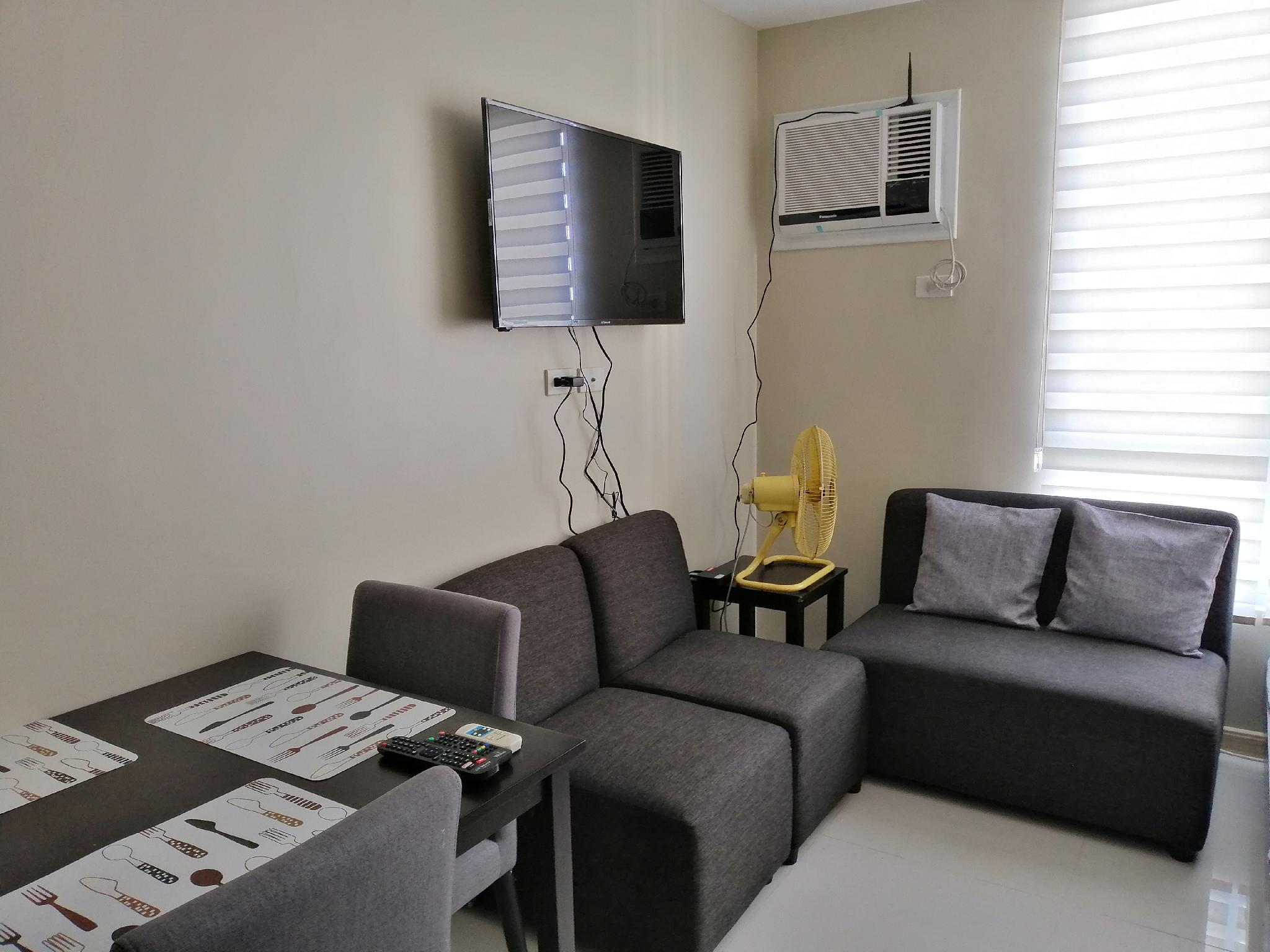Fully Furnished Condo For Staycation