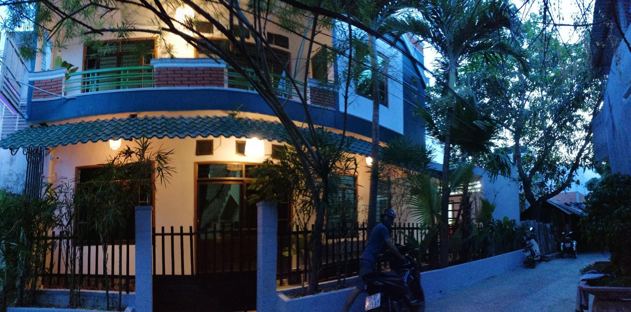 Green Villa House