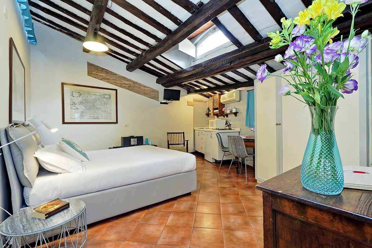 Romantic studio next to Piazza Navona