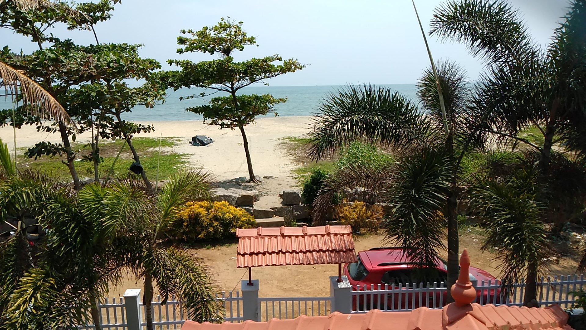 LooneyDunez  Beach Homestay